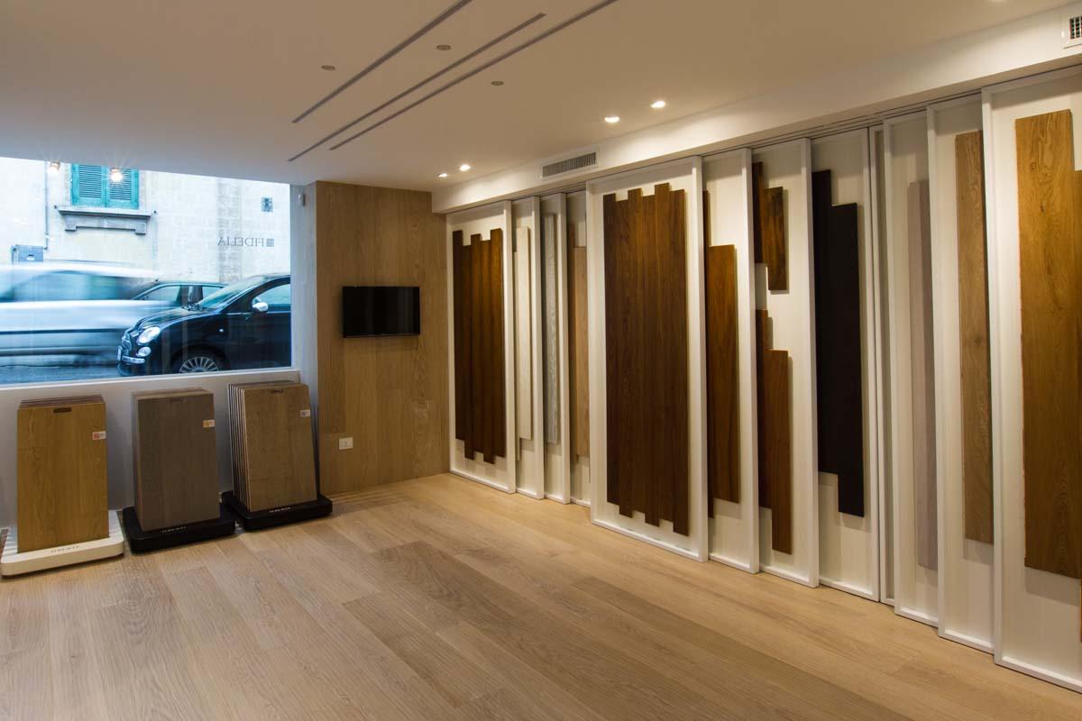 showroom parquet icones. Black Bedroom Furniture Sets. Home Design Ideas